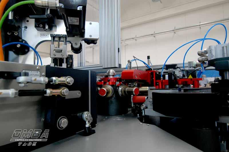 Macchine-Produzione-Capsule-Enologiche-Omba-2